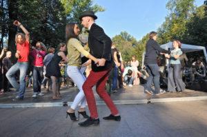 Где потанцевать: обзор открытых танцплощадок