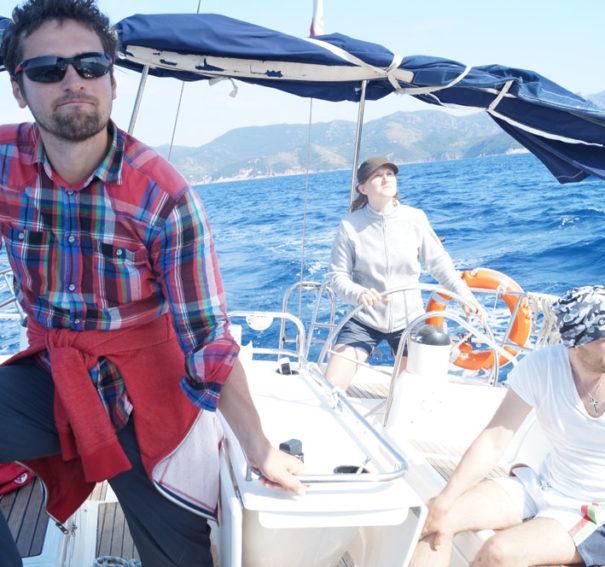 Где научиться управлять яхтой и получить международные права капитана в Москве?