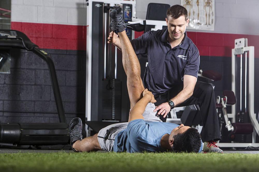 Как отучиться на фитнес тренера