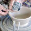 Где научиться работать на гончарном круге: лучшие школы и курсы керамики в Москве