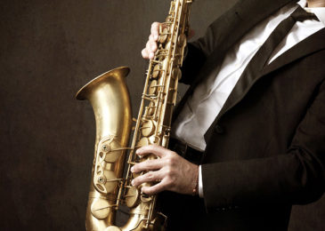Где взрослому научиться играть на саксофоне с нуля: все курсы и школы Москвы